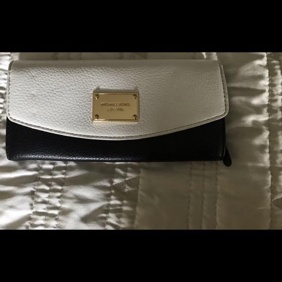 Michael Kors Black/White Slim Flap Leather Wallet